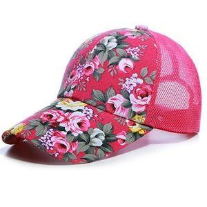 Šiltovka Kvety-Ružová vyobraziť