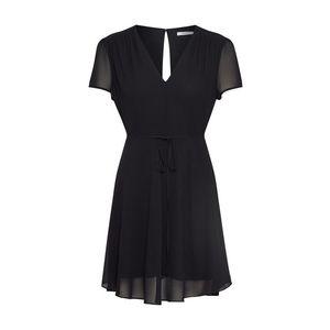 GLAMOROUS Letné šaty čierna vyobraziť