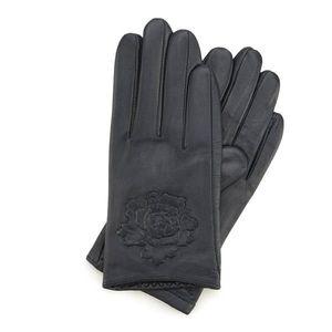 Dámske rukavice v granátovom prevedení. vyobraziť