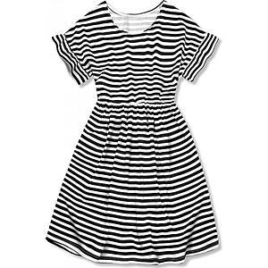 Čierno-biele voľné pruhované šaty II. vyobraziť