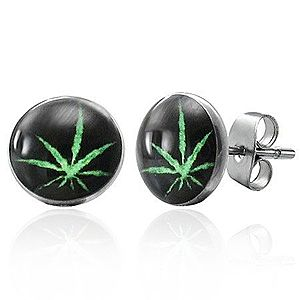 Puzetové oceľové náušnice, zelená marihuana na čiernom podklade X11.19 vyobraziť