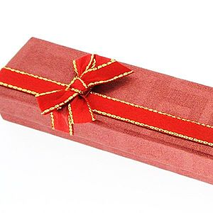 Darčeková krabička na retiazku - červená, dvojfarebná mašľa Y4.12 vyobraziť