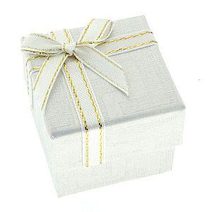 Biela darčeková krabička s gréckym vzorom a stužkou Y29.3 vyobraziť