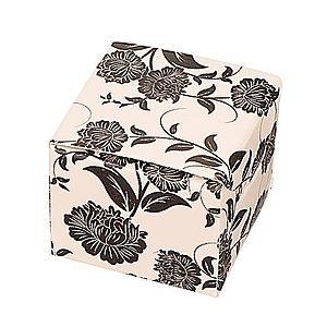 Darčeková krabička na náušnice - čierne kvety na béžovom podklade Y26.19 vyobraziť
