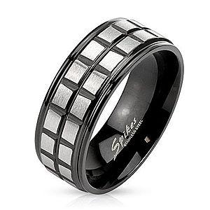 čierny oceľový prsteň vyobraziť