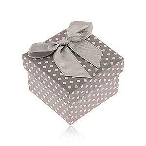 Sivo-biela bodkovaná krabička na prsteň, lesklá mašľa S88.04 vyobraziť