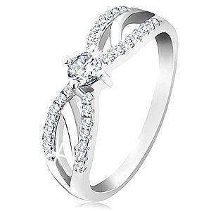 Zásnubný prsteň zo striebra 925, rozdelené ligotavé ramená, číry zirkón SP27.03 vyobraziť
