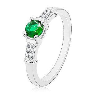 Zásnubný prsteň, striebro 925, zirkónové ramená, okrúhly zelený zirkón J15.07 vyobraziť