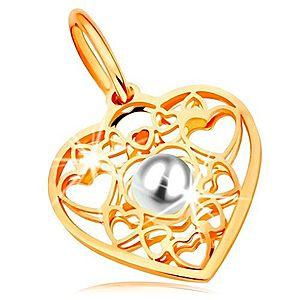 Prívesok v žltom zlate 585 - srdce zdobené obrysmi srdiečok a bielou perlou v strede GG167.08 vyobraziť