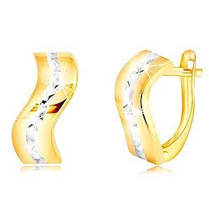 Zlaté 14K náušnice - lesklý zvlnený pás s brúsenou líniou z bieleho zlata GG218.34 vyobraziť