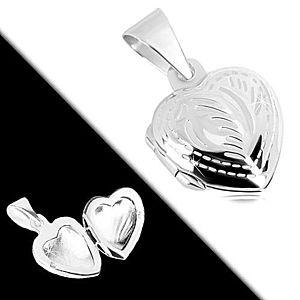 Medailón zo striebra 925 - pravidelné srdce, jemné gravírovanie, motív pierka R38.29 vyobraziť