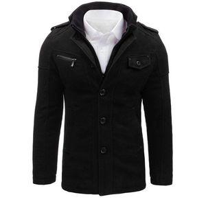Štýlový čierny kabát vyobraziť