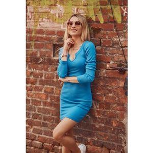 Dámske priliehavé šaty mini dĺžky, modré vyobraziť