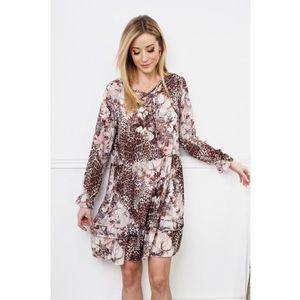 Šaty s volánom a kvetinovým vzorom, hnedé vyobraziť