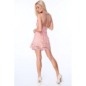 Dámske čipkované šaty, svetloružové vyobraziť