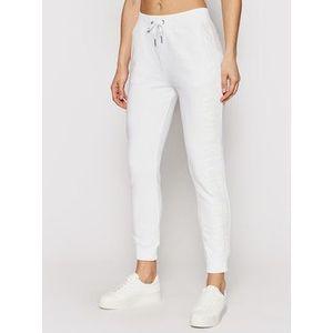 Calvin Klein Jeans Teplákové nohavice J20J215551 Biela Regular Fit vyobraziť