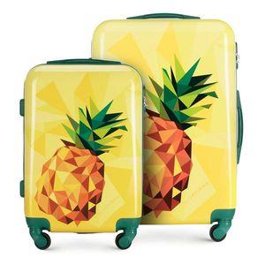 Výrazná sada cestovných kufrov. vyobraziť