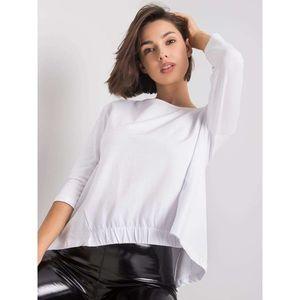 White blouse with 3/4 sleeves vyobraziť