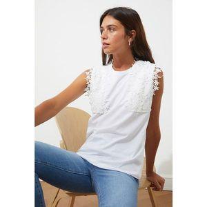 Trendyol White Lace Blouse vyobraziť