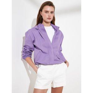 Fialová krátka bunda s kapucou Trendyol vyobraziť
