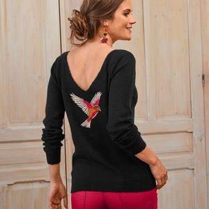 Pulóver s výšivkou vtáčika na chrbte čierna 52 vyobraziť