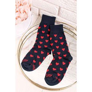 Tmavomodré vzorované ponožky Srdiečka modro-červené vyobraziť