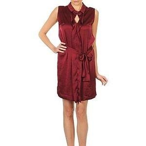 Krátke šaty Lola ROSE ESTATE vyobraziť