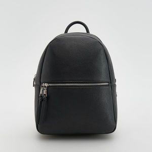 Reserved - Čierny ruksak - Čierna vyobraziť