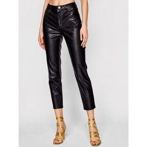 Pinko Nohavice z imitácie kože Susan PE 21 BLK01 1G15ZV 7105 Čierna Slim Fit vyobraziť