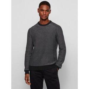 Klasický čierny sveter vyobraziť