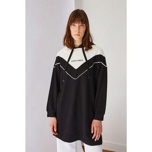 Trendyol Black Printed Knitted Sweatshirt vyobraziť