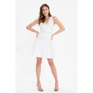 Trendyol White Waist Detailed Dress vyobraziť