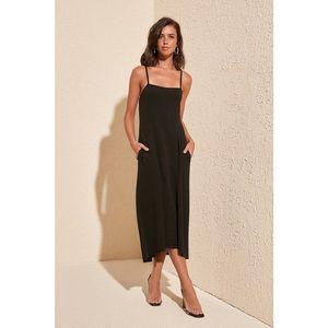 Dámske šaty Trendyol Strap vyobraziť