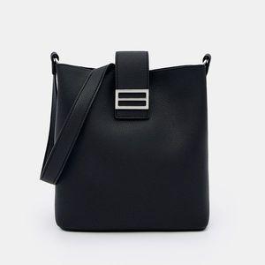 Dámska taška vyobraziť