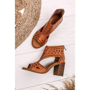 Škoricové kožené sandále na hrubom podpätku 67760 vyobraziť