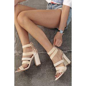 Béžové sandále na hrubom podpätku Alyssa vyobraziť