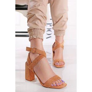 Škoricové semišové sandále na hrubom podpätku Tanya vyobraziť
