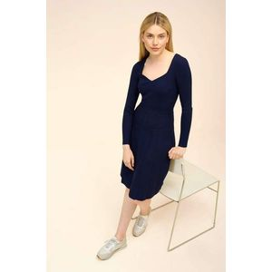 Orsay šaty s plisovanou sukňou vyobraziť
