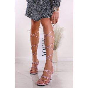 Fialové šnurovacie sandále na tenkom podpätku Lorea vyobraziť